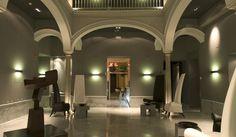 Mit bemerkenswerten Kunstwerken Hotel Petit Palace Santa Cruz in Sevilla