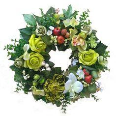 Zöldes koszorú gyümölcsökkel Floral Wreath, Wreaths, Home Decor, Floral Crown, Decoration Home, Door Wreaths, Room Decor, Deco Mesh Wreaths, Home Interior Design