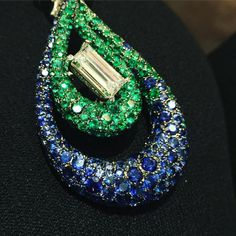 emeralds, diamond, sapphires @degrisogono