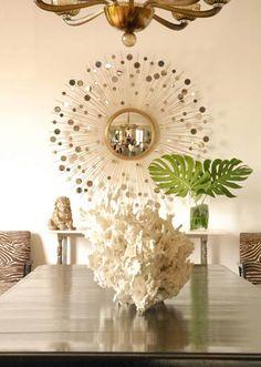Exuberant sunburst mirror in a dining room in Montecito designed by Amanda Masters. Luxury Interior Design, Interior Design Inspiration, Tinted Mirror, Mirror Mirror, Mosaic Mirrors, Modern Mirror Design, Creative Wall Decor, Starburst Mirror, Cool Mirrors