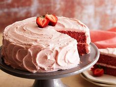 Simply Delicious Strawberry Cake Recipe : Paula Deen : Food Network - this - yummy! It has that perfectly fresh strawberry taste you look for in a strawberry cake! Easy To Make Desserts, Just Desserts, Delicious Desserts, Dessert Recipes, Baking Recipes, Healthy Recipes, Strawberry Cake Recipe Paula Deen, Strawberry Cake Recipes, Strawberry Jello