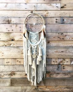 dream catcher macramé indien Dream Catcher Tutorial, Occult Symbols, Floral Hoops, Handmade Home Decor, Diy Wall Art, Creations, Arts And Crafts, Tapestry, Crafty