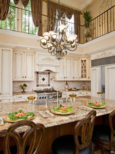 Nice Classic Country Style Large Size Kitchen Interior Decoration