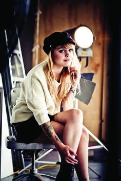 Célébrité Shopping avec Coeur de Pirate pour LOULOU Magazine. Une très belle journée en sa compagnie!