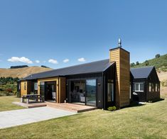 Why this black-clad Taupo home was designed with two master bedrooms House Cladding, Facade House, House Exteriors, Building Exterior, Building A New Home, House Building, Building Ideas, Exterior House Colors, Exterior Design