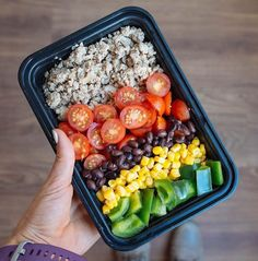 What is your favorite Southwestern-inspired meal prep?! _ I love this southwest inspired combo I made this weekend Super simple yet super delicious Here's what's in it: 3/4 cup ground turkey (cooked with olive oil white onions and everything spicy @flavorgod) 1/2 cup @melissasproduce tomatoes 1/4 cup corn 1/4 cup black beans 1/2 cup green bell peppers Shake it all together and you got one yummy dinner Bonus: add some avocado if you're feeling crazy @21DayFix portion containers: 1 red 1 green…