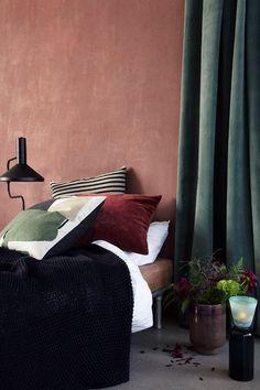 Interior Design Tips: discover the possibilities of the Terracotta trend Interior Exterior, Interior Design Tips, Interior Inspiration, Design Ideas, Room Interior, Design Trends, Terracota, Bedroom Green, Bedroom Decor