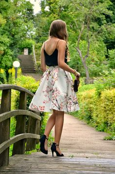 Our popular cherry blossom skirt is on super flashsales right now! Rock your style in those lovely flowery prints. Vintage Skirt, Vintage Dresses, Nice Dresses, New Outfits, Spring Outfits, Fashion Outfits, Disney Outfits, Modern Vintage Fashion, Vintage Style