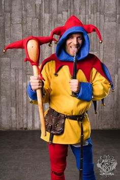Costume of court jester In medieval times, jester (or fool) was a person at court, who had to entertain the royal family, their guests, noblemen. Cloths of bright colours were the most distinctive feature of jesters. Made-by-measure costume consists of these parts: - double-sided shirt; - two-coloured woolen chausses; - double-sided jester's cap with horns and tails