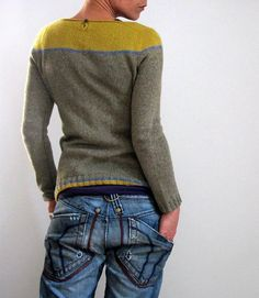 I'm knitting this at the moment in Drops Alpaca and Drops Baby Alpaca Silk. The pattern is ...against all odds (Max) by Isabell Kraemer from LoveKnitting ! I have a bit of a grey-yellow obsession at the moment so I saw this and HAD to have one of my own!