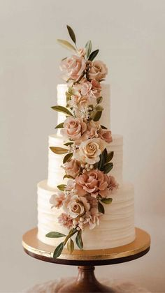 The 50 most beautiful wedding cakes wedding cake ideas great wedding cake . - The 50 most beautiful wedding cakes wedding cake ideas great wedding cake Cakes for your eve - Pretty Wedding Cakes, Black Wedding Cakes, Floral Wedding Cakes, Wedding Cakes With Flowers, Beautiful Wedding Cakes, Wedding Cake Designs, Beautiful Cakes, Cake Wedding, Summer Wedding Cakes