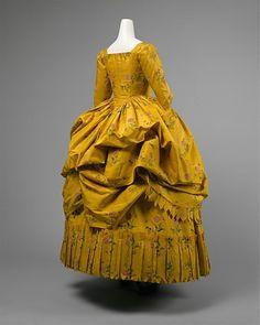 Robe à Polonaise  1780-1785  The Metropolitan Museum of Art
