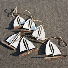 A seductive collection of coastal interior accessories and nautical gifts full of coastal inspiration. Driftwood mirrors, seashells, tide clocks, coastal art and nautical decor. Nautical Christmas, Beach Christmas, Driftwood Christmas Tree, Beautiful Christmas, Diy Christmas, Christmas Ornament, Ornaments, Deco Marine, Driftwood Crafts