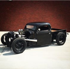 Ford Rat Rod.. Love the black