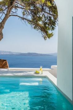 Pina Caldera Residence in Santorini by Aria Hotels. Private residence for rent in Santorini. Beautiful Pools, Beautiful Landscapes, Beautiful Places, Dream Vacations, Vacation Spots, Places To Travel, Places To Go, Applis Photo, Dream Pools