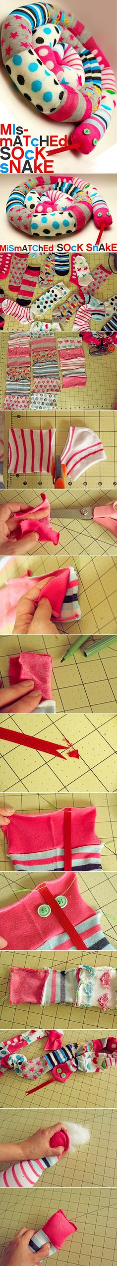 DIY Sock Snake- so not a quilt but still a cute sewing project idea Sock Crafts, Cute Crafts, Crafts To Do, Fabric Crafts, Sewing Crafts, Crafts For Kids, Easy Crafts, Sock Snake, Craft Projects