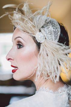 un mariage années 20 / headband chapeau mariage / photographe Gather and Tides…