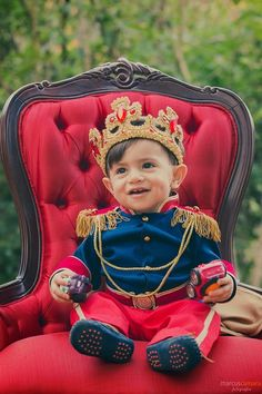 Prince Birthday Party, Prince Party, King Birthday, Baby Prince, Baby Boy 1st Birthday, 1st Boy Birthday, 1st Birthday Parties, Royal Prince, Baby Halloween Outfits