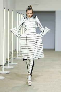 Gareth Pugh architectural fashion young designer wear