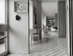 Gio Ponti´s apartment on via Dezza. In front, the Superleggera chair, 1957. © Gio Ponti Archives, Milano