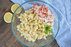 Sweet lobster, creamy cheese & a crunchy panko topping come together to make the BEST Lobster Mac and Cheese recipe! Perfect for any elegant or casual meal! #lobstermacandcheese #easylobstermacandcheese #homemademacandcheese www.savoryexperiments.com Lobster Mac N Cheese Recipe, Bacon Mac And Cheese, Best Mac And Cheese, Mac And Cheese Homemade, Baked Mac, Creamy Cheese, Fun Cooking, Cheese Recipes, How To Cook Pasta