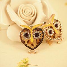 Love these - owl-heart earrings Owl Earrings, Heart Earrings, All Fashion, Mens Fashion, Owl Bracelet, Cute Owl, Jewelry Shop, Fashion Earrings, Owls
