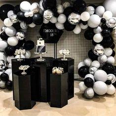 10 ideas Black and White Party - Lo Que Necesitas Saber Para La Fiesta Chanel Birthday Party, Chanel Party, 40th Birthday Parties, 25th Birthday, Birthday Balloons, Birthday Party Decorations, Party Themes, Birthday Ideas, 30th