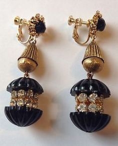 VINTAGE MIRIAM HASKELL SIGNED DANGLING BLACK GLASS BEAD AND RHINESTONE EARRINGS