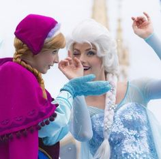 they look like they're in their own worlds! Elsa and Anna  by _wawcftt_
