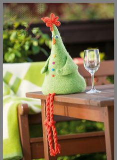 Vinhøne filtet i Fritidsgarn - gratis PDF opskrift Crochet Birds, Easter Crochet, Crochet Dolls, Crochet Christmas Ornaments, Knitted Animals, Spring Crafts, Handmade Toys, Fabric Crafts, Gifts For Kids