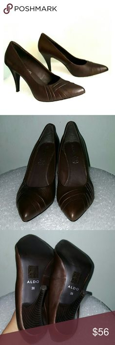 """Aldo size 38/7.5 brown pleated toe pumps Brown leather upper with pleated design at the vamp. Padded footbed. 3.5"""" brown stacked heel. Leather soles. Aldo runs a lil small....size 38 will fit 7.5 US  New without a box. Aldo Shoes Heels"""