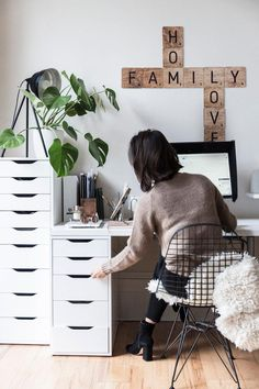 magazine layout: www.c… New corners and home accessories – Home Office Design Layout Workspace Design, Home Office Design, Home Office Decor, Ikea Office, Ikea Desk, Desk Office, Office Ideas, Home Design, Desk Inspiration