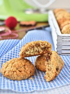 Ovesné sušenky s kokosem, oříšky a rozinkami Small Desserts, Sweet Desserts, Healthy Baking, Healthy Recipes, Cake & Co, Aesthetic Food, Muffin, Fitness, Good Food