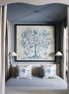 Blue and white bedroom decor. Blue Rooms, Blue Bedroom, Bedroom Decor, Bedroom Ideas, Bedroom Signs, Decorating Bedrooms, Bedroom Wall, Decorating Tips, Wall Decor