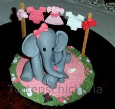 Mother and Baby Elefant cake topper in pink with baby clothes