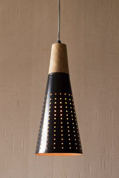 PENDANT LAMP WITH HOLES AND NATURAL WOOD DETAIL