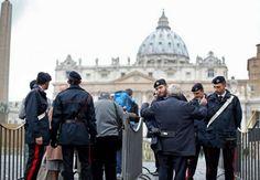 Piazza San Pietro a Roma nel tempo della paura