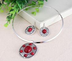 Stylish Jewelry Sets with Oval Round Imitate Turquoise Women Ladies Earring Hook Necklace