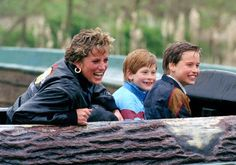 Diana, Princess Of Wales, Prince William And Prince Harry visit Thorpe Park amusement park. (Photo by Julian Parker/UK Press via Getty Images) Lady Diana Spencer, Diana Son, Spencer Family, Princess Diana Facts, Princess Diana Death, Princess Of Wales, Princess Charlotte, Prince Harry, Prince William And Harry