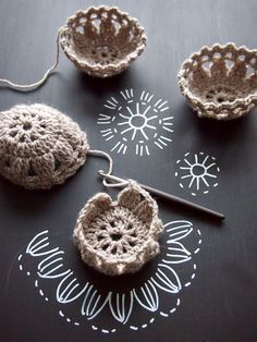 Crochet Mini Basket - Gráfico ❥ (✿ƬⱤ ღ https://www.pinterest.com/teretegui/✿)