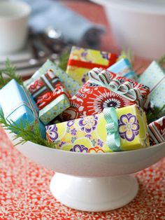 Original_Matthew-Mead-Holiday-Guests-Gifts-White-Bowl_s3x4_lg_zps039f49e9.jpg picture by muchwisor - Photobucket