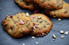 Cookies with Rhubarb and Chocolate via Twin Food (scroll down for English)