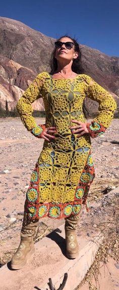 45 Abrigos para invierno a crochet 2019 Cover Up, Bohemian, Dresses With Sleeves, Long Sleeve, Crochet Wraps, Internet, Albondigas, Style, Fashion