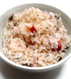 梅干しの炊き込みご飯 Japanese Food, Asian Recipes, Fries, Cooking Recipes, Favorite Recipes, Lunch, Dinner, Health, Food
