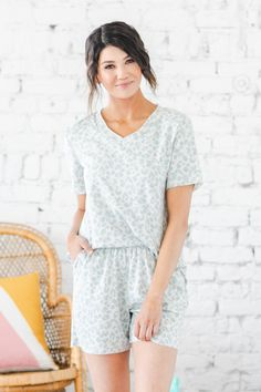 We are huge fans of our new Brinson Lounge Set! The set features an adorable, subtle leopard design, super soft fabric, and an oversized fit. Our shorts feature a comfy elastic waistband. Our lounge set does not disappoint and is sure to quickly become a closet favorite this season! Fashion Showroom, Cute Casual Outfits, Small Waist, Jean Outfits, Soft Fabrics, Lounge Wear, Plus Size Outfits, Love Fashion, Rompers