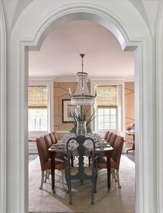 Dining room, by Tammy Connor Interior Design