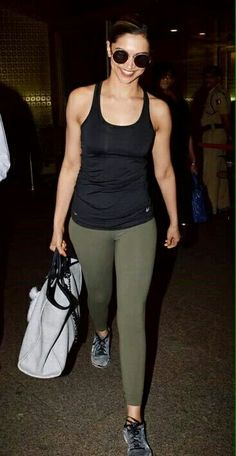 Do you remember when your friends told you that it's not cool to wear yoga pants when you're going out? But here we share celebrities in yoga pants and leggings looking so hot and sexy. Indian Celebrities, Bollywood Celebrities, Bollywood Actress, Dipika Padukone, Deepika Padukone Style, Sr K, Bollywood Stars, Indian Bollywood, Bollywood News