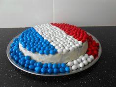 Gâteau : Drapeau de la France: bleu, blanc, rouge avec des m