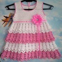 Baby Crochet Patterns Part 33 - Beautiful Crochet Patterns and Knitting Patterns Crochet Bebe, Crochet Girls, Crochet Baby Shoes, Crochet Baby Clothes, Crochet For Kids, Baby Knitting Patterns, Baby Patterns, Crochet Patterns, Woolen Sweater Design