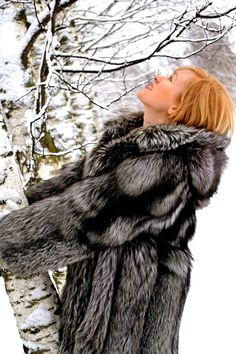 Ahhh...... another Red Head in hooded silver fox fur coat. Beautiful!